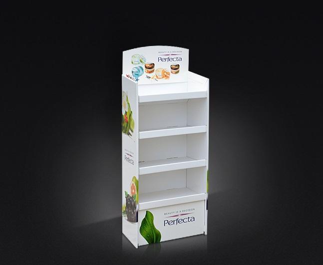 """Display kartonowy podłogowy, półki mocowane na specjalne podpory typu 'klik"""" możliwość transportu towaru na displayu."""